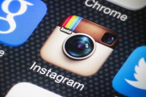 instagram is adding an algorithm a Cue Creative Consulting